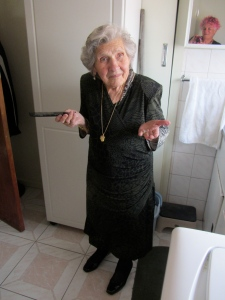 Nonna getting ready to partayy