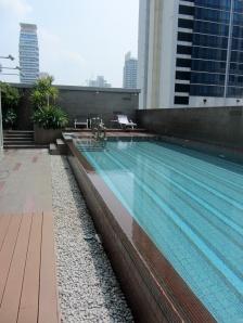 Megsies lap pool